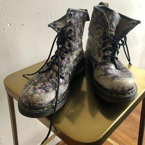 Punk Black Floral Doc Martens Grunge 8 wmns